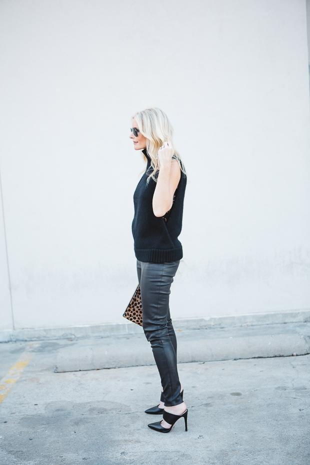 Black Sleeveless sweater 5