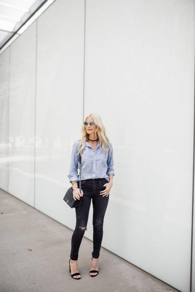 Dallas Fashion Blogger, Black ripped jeans, blue button down