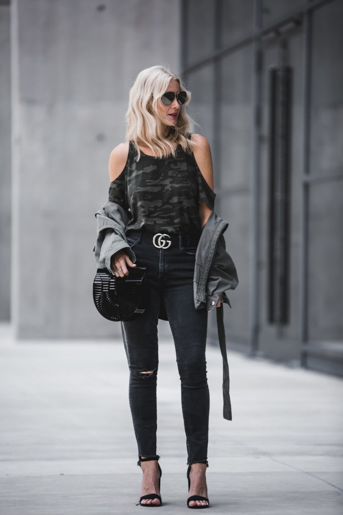 Dallas Style blogger wearing Gucci Belt and Army jacket