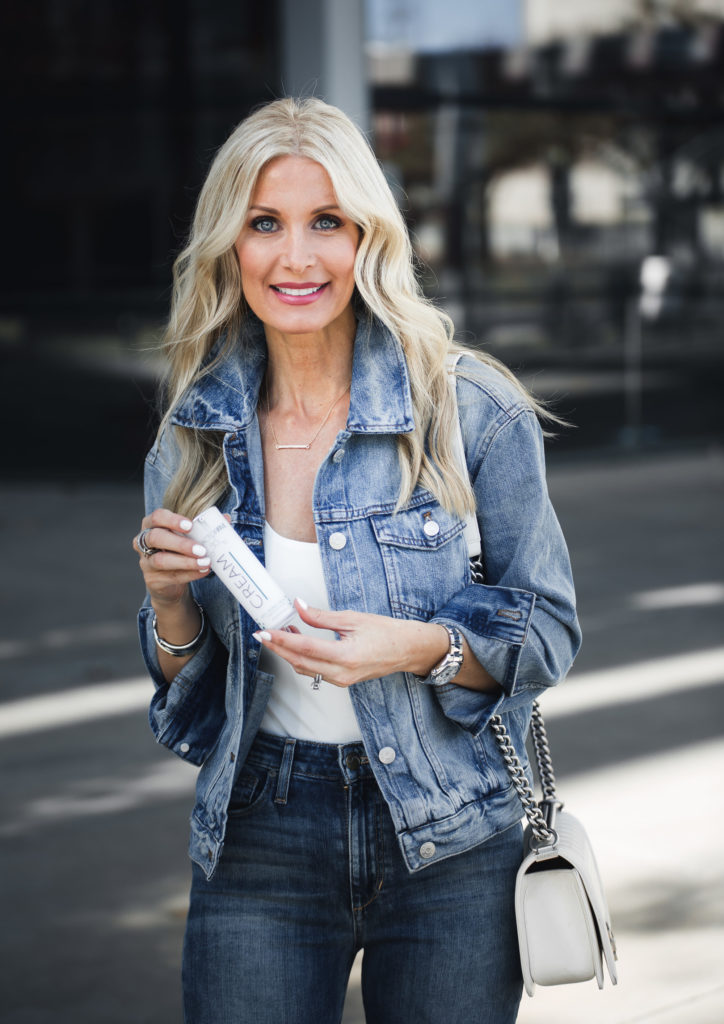 Dallas Fashion blogger wearing jean jacket