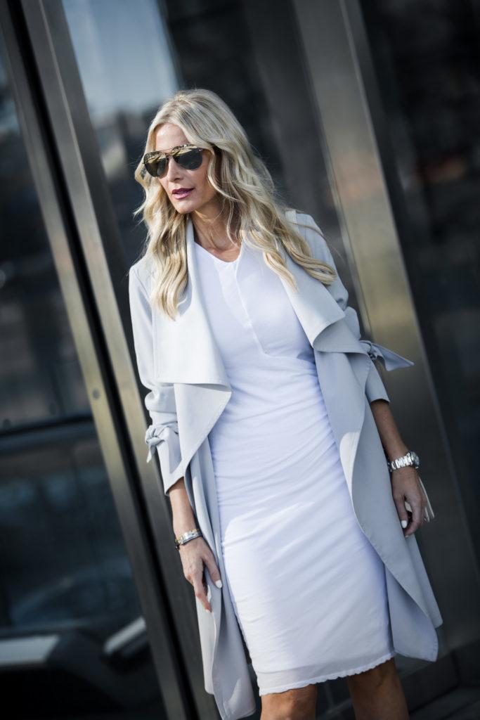 Dallas fashion blogger wearing an easter dress