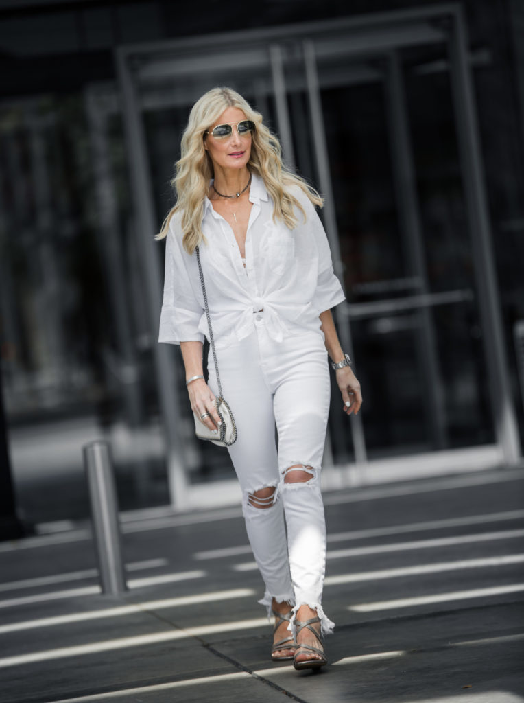 Dallas Style Blogger wearing all white