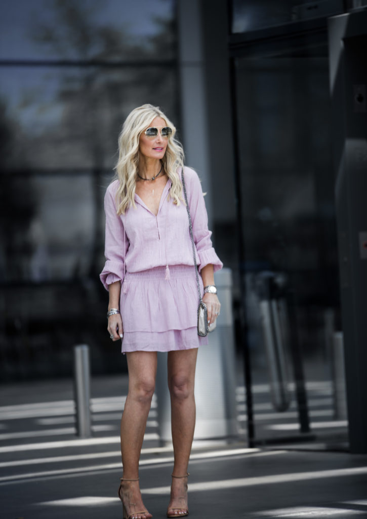 Dallas fashion blogger wearing casual spring dress