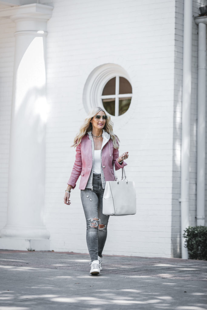 Fashion Blogger in Dallas wearing blazer and ripped jeans