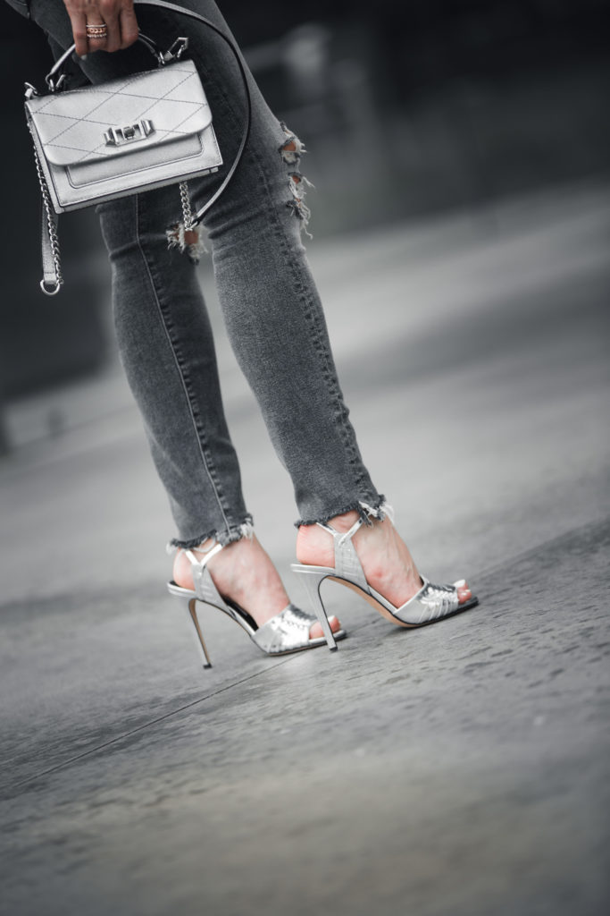 Dallas Style blogger wearing Mother denim and Veronica Beard Heels