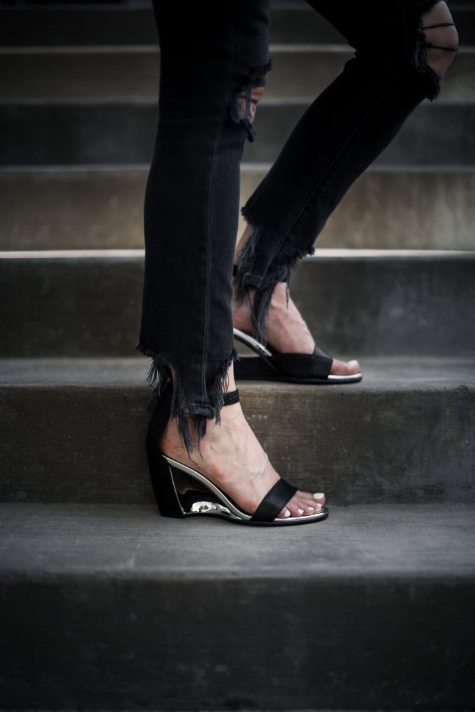 Ruti Black Wedges and ripped jeans