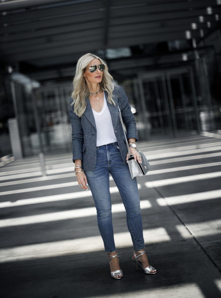 Casual Street style Veronica Beard jeans