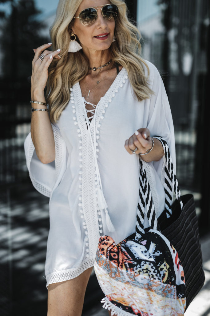 Beach towel and black beach bag from Rachel Zoe's Summer box of style