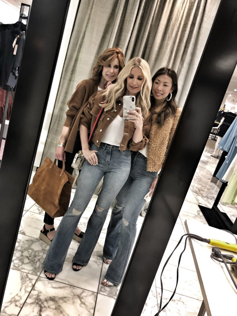 Dallas bloggers wearing flare jeans