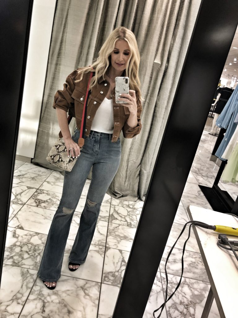 Dallas blogger wearing Good American Flare jeans
