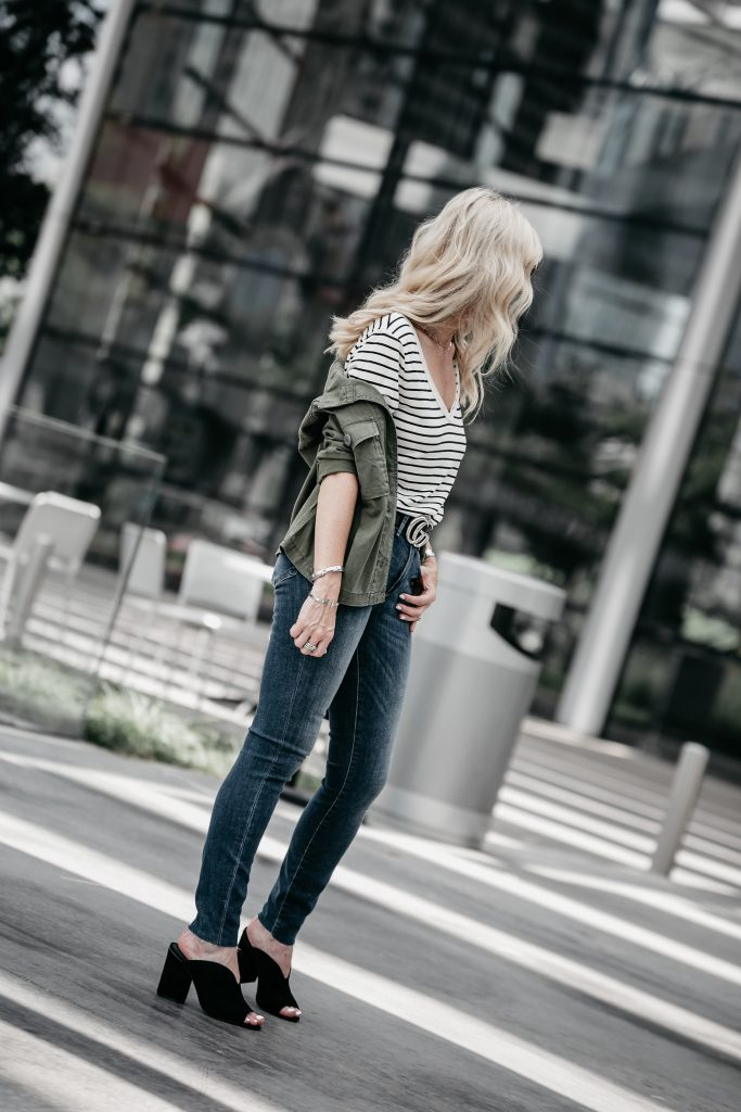 Dallas style blogger wearing a striped tee and jeans