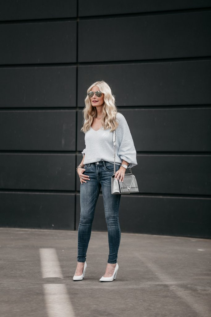 Dallas Style blogger wearing Free People top and skinny jeans