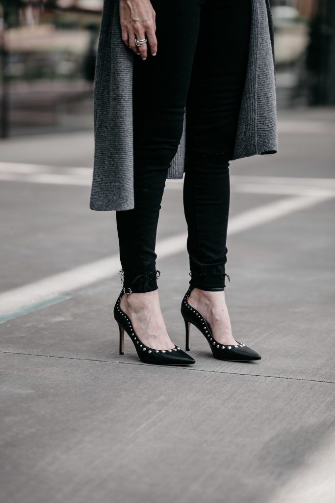 Dallas blogger wearing Sam Edelman studded pumps