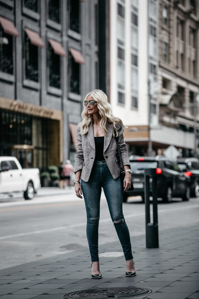 Dallas fashion blogger wearing Hudson jeans
