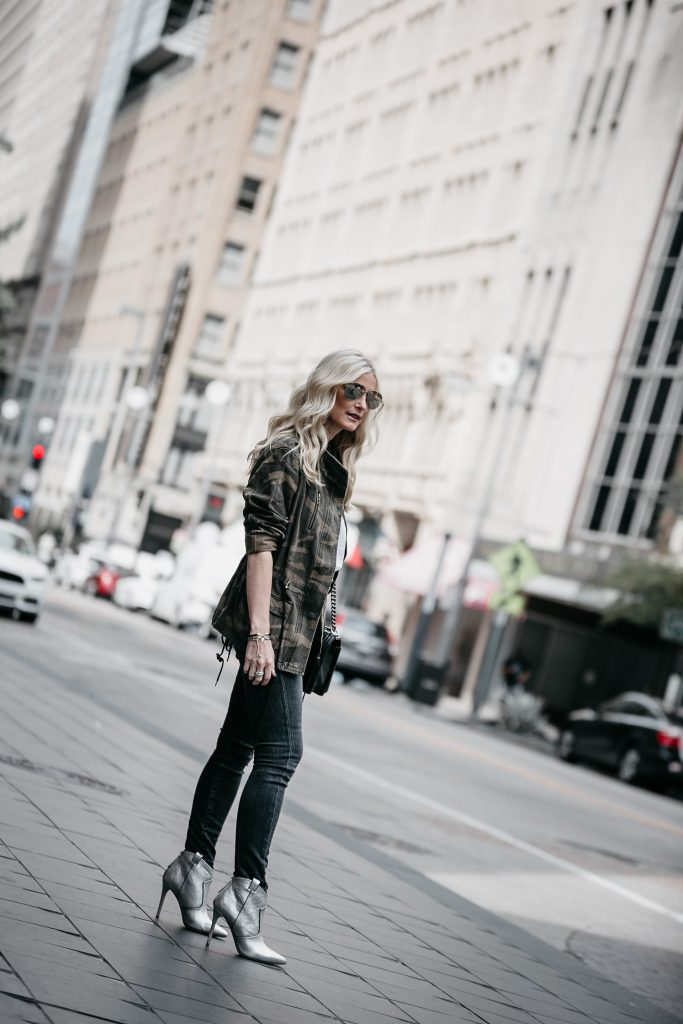 Dallas fashion blogger wearing Veronica Beard Boots