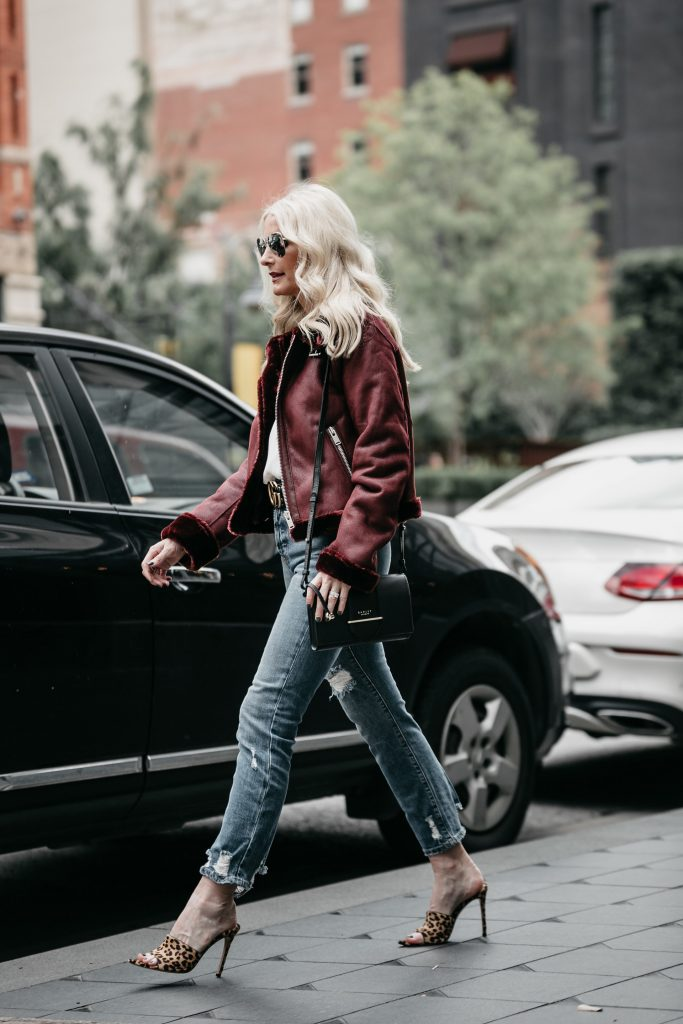 Dallas style blogger wearing AOLA jeans
