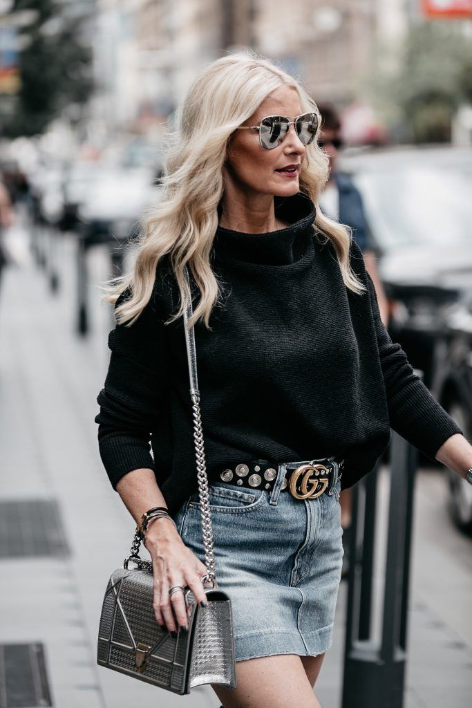 Dallas blogger wearing denim skirt and Gucci belt
