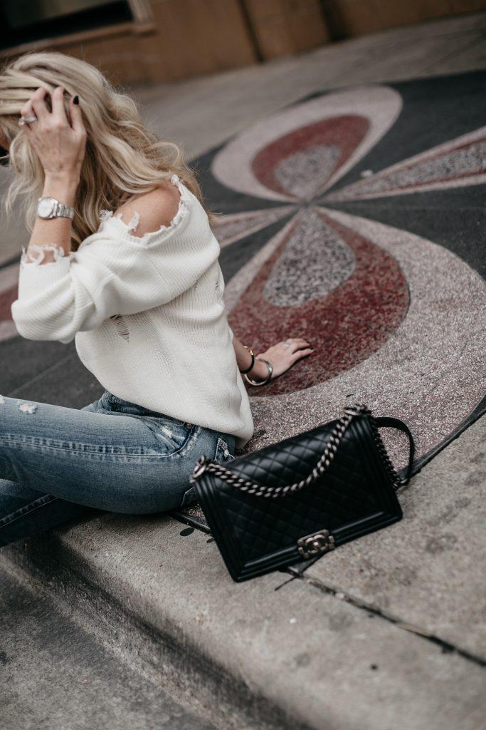 Dallas fashion blogger carrying a Chanel Boy Bag