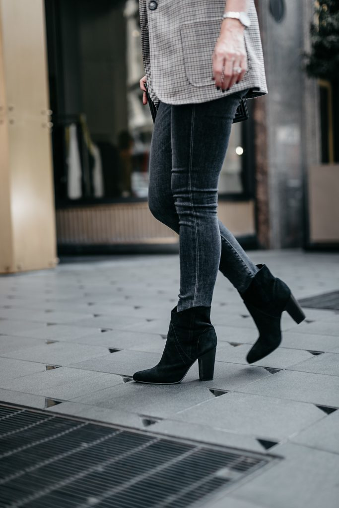 Dallas blogger wearing Vince Camuto ankle booties