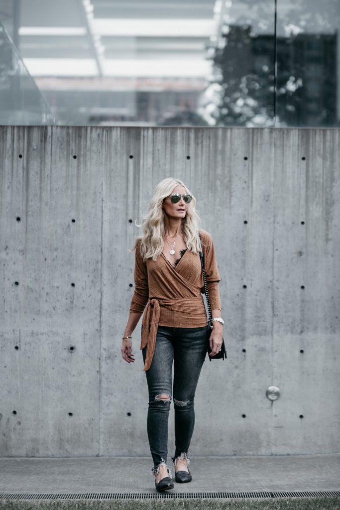 Dallas Blonde woman wearing DL1961 denim