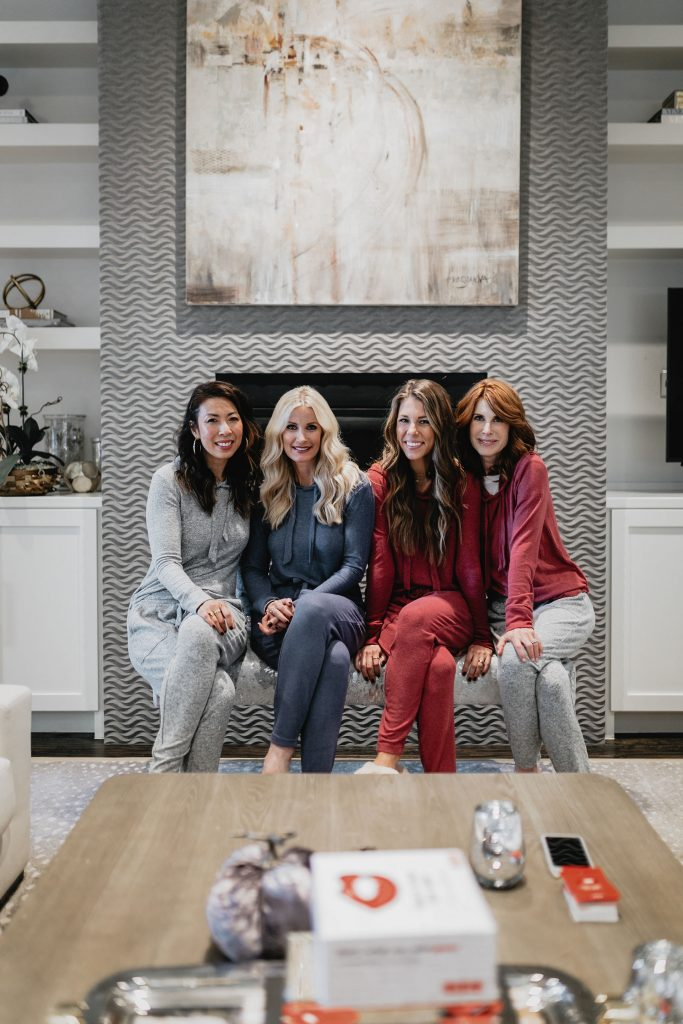 Dallas fashion bloggers wearing lounge wear