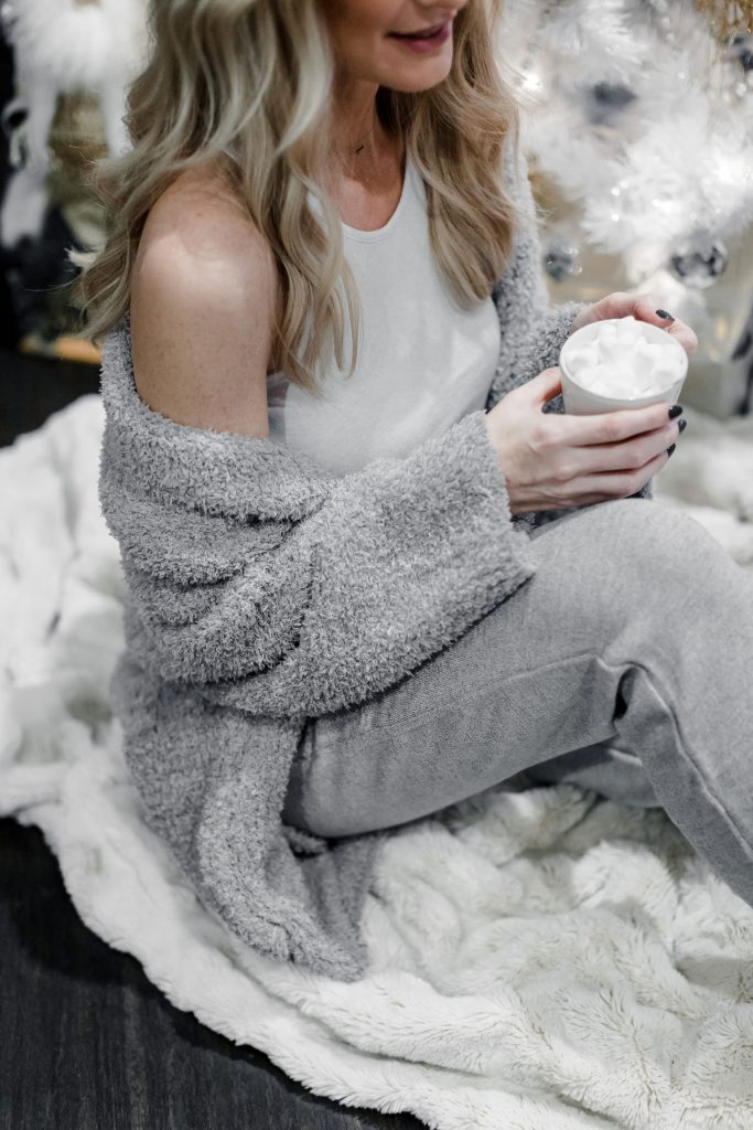 Dallas style blogger wearing Barefoot dreams cardigan