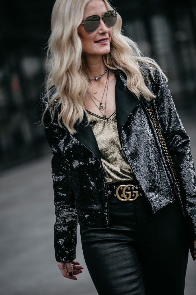 Dallas blogger wearing Gucci belt and leather pants