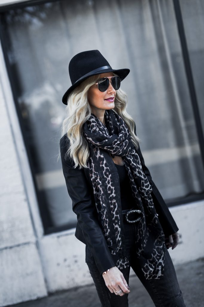 Dallas style blogger wearing black fedora hat and Gucci belt