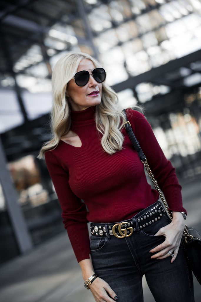 Dallas blogger wearing cut-out sweater and Gucci belt