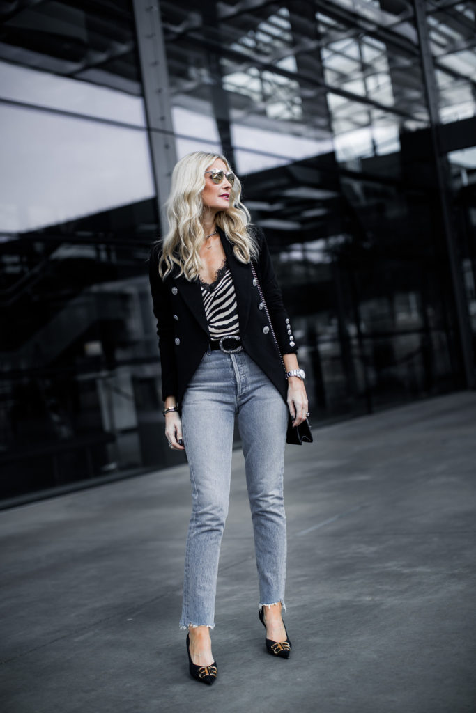 Dallas fashion blogger wearing Agolde jeans and black blazer