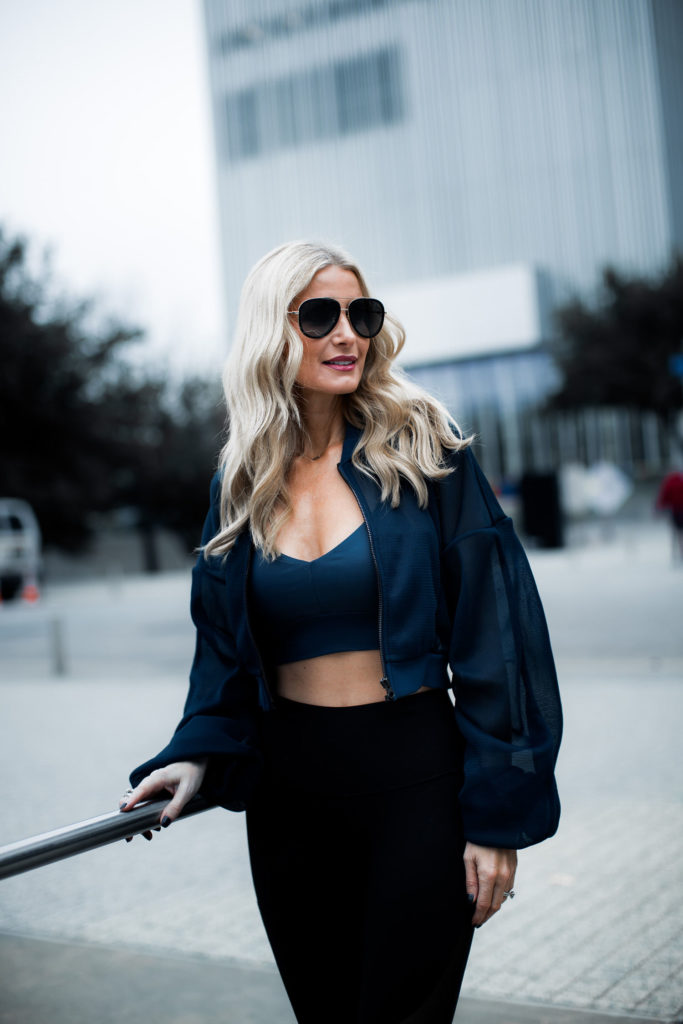 Dallas style blogger wearing yoga clothes