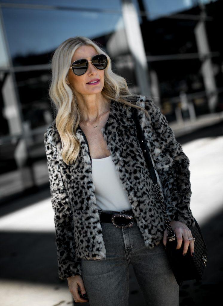 Gucci belt and Gucci sunglasses on Dallas fashion blogger
