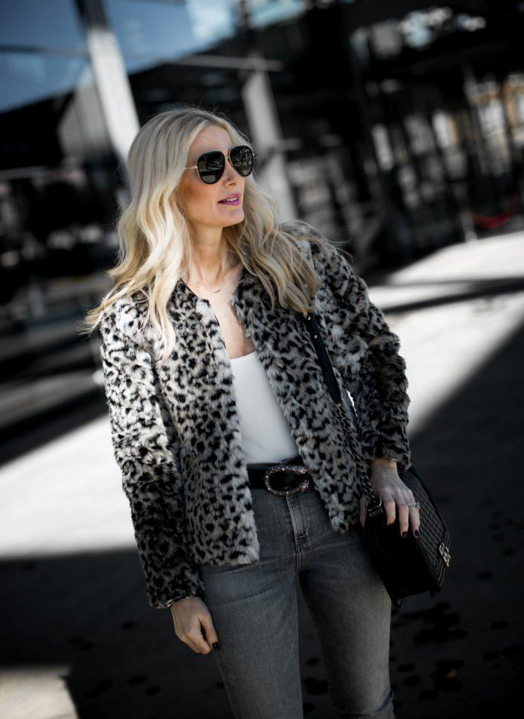 Dallas blogger wearing leopard teddy coat by BB Dakota