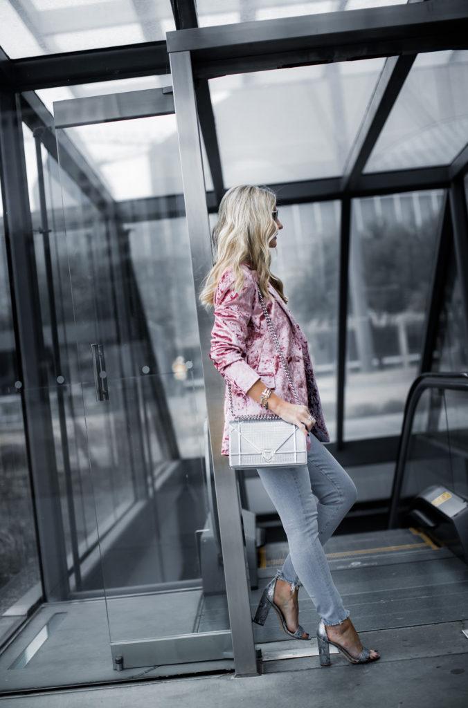 Dallas fashion blogger wearing velvet blazer and snake print heels