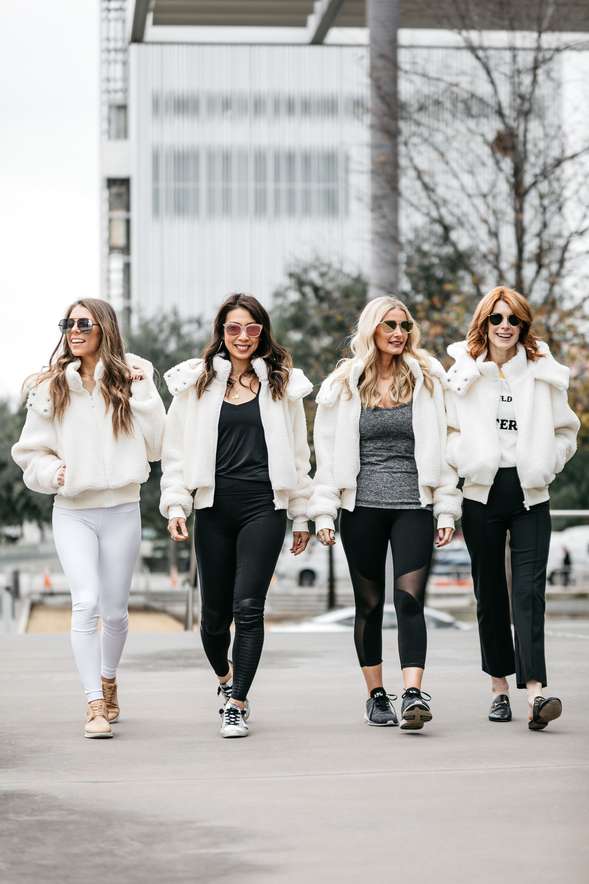 Alo yoga wear on Dallas bloggers