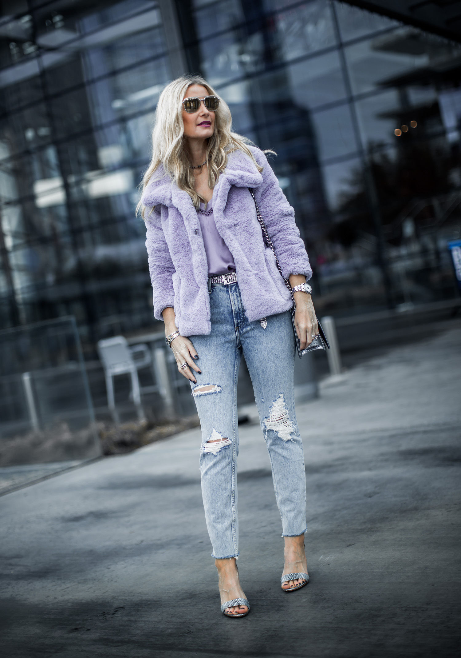 Dallas style blogger wearing the best color for spring 2019
