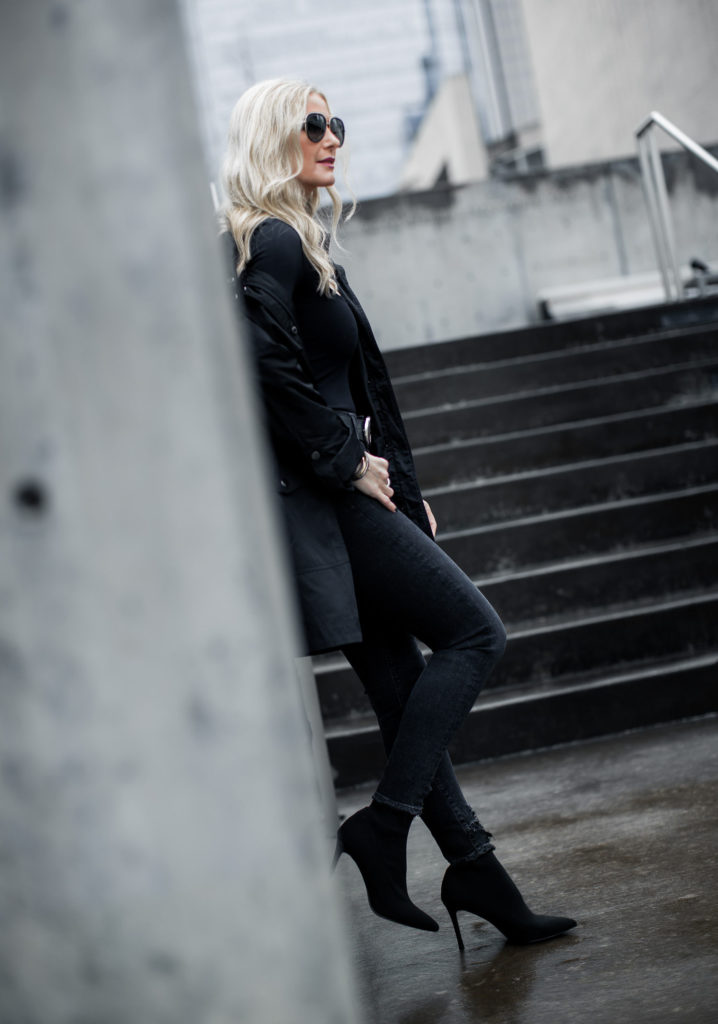 BLACK TRENCH COAT WEARING XS // AGOLDE JEANSWEARING A SIZE 25 //  STEVE MADDEN SOCK BOOTIES