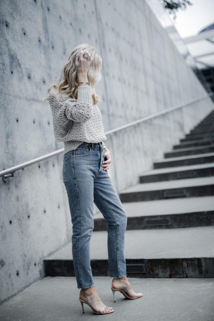 Spring Shoes - Dallas blogger wearing nude heels and Mom jeans