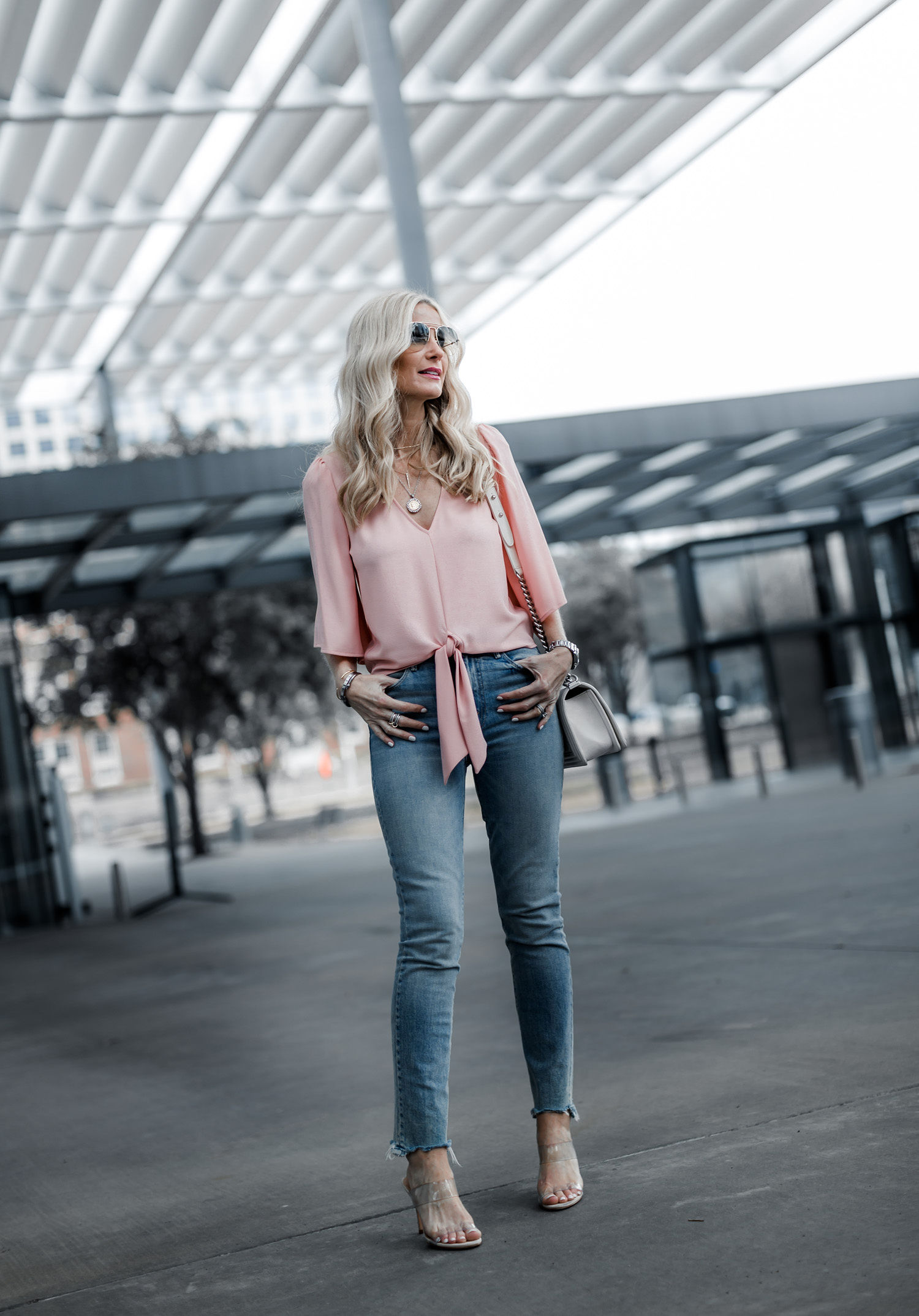 Dallas fashion blogger wearing Mother denim jeans