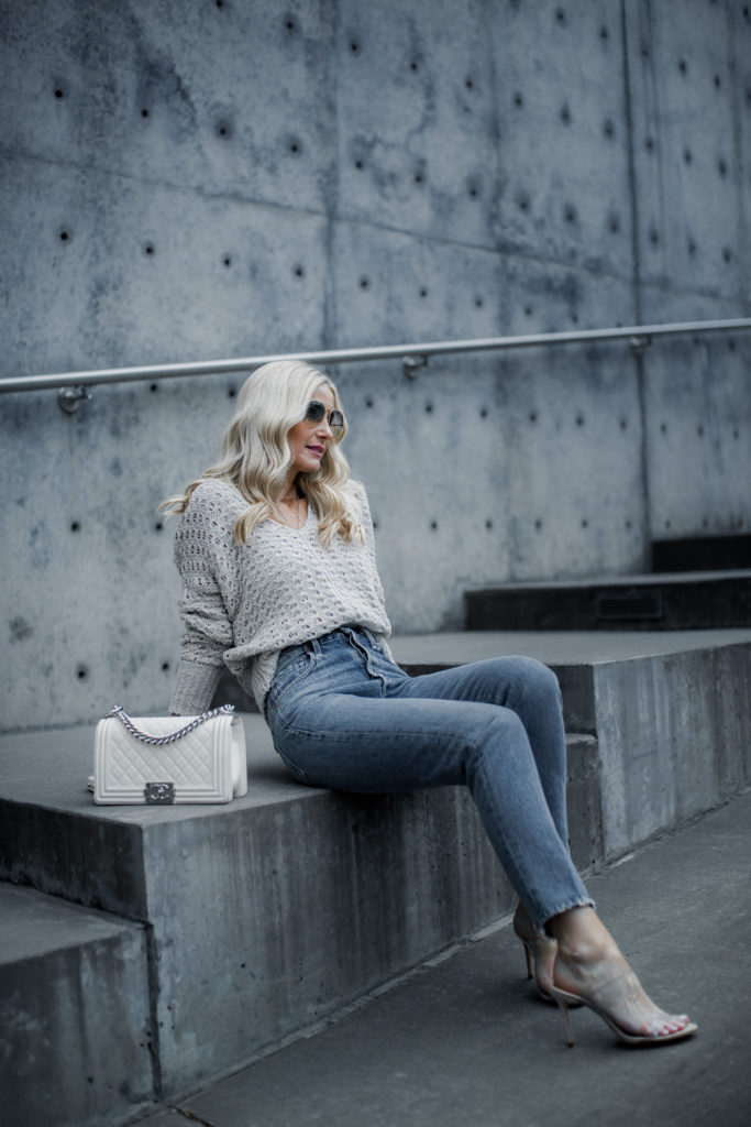 Dallas fashion blogger wearing Mom jeans and Free People sweater