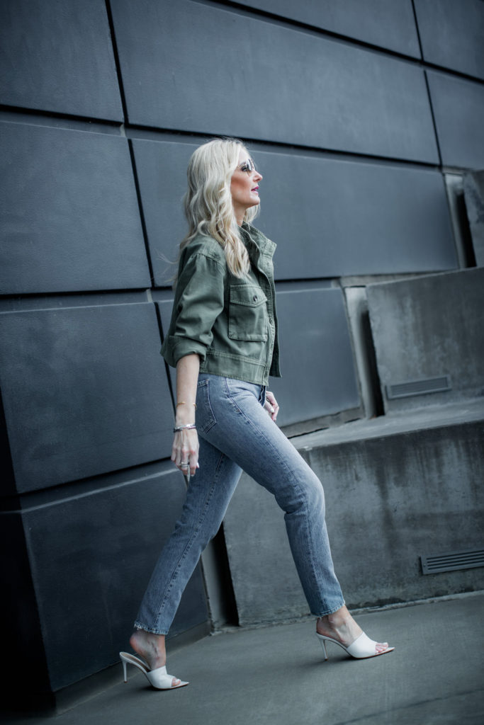 How to style a green military jacket and jeans