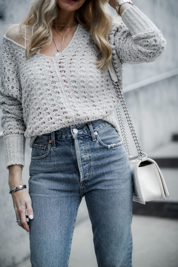 How to wear Mom jeans over age 40