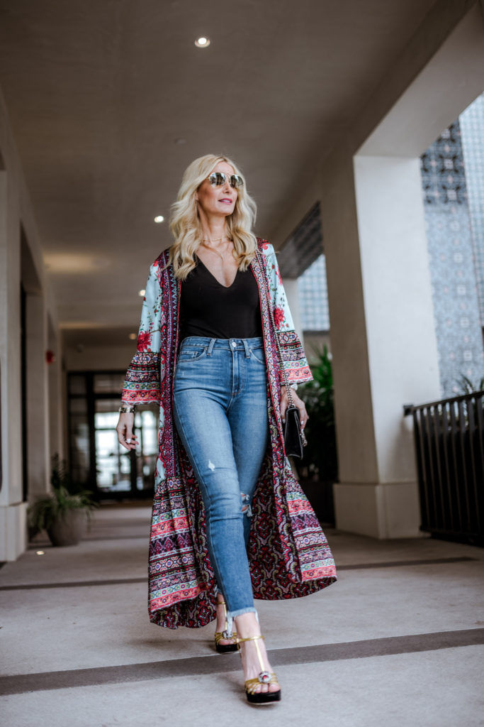 Alice and Olivia Kimono, Paige denim skinny jeans, and Gucci platforms