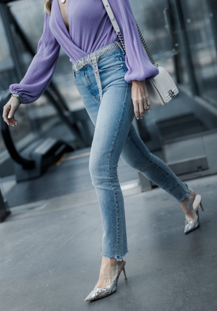 How to wear skinny jeans over 40