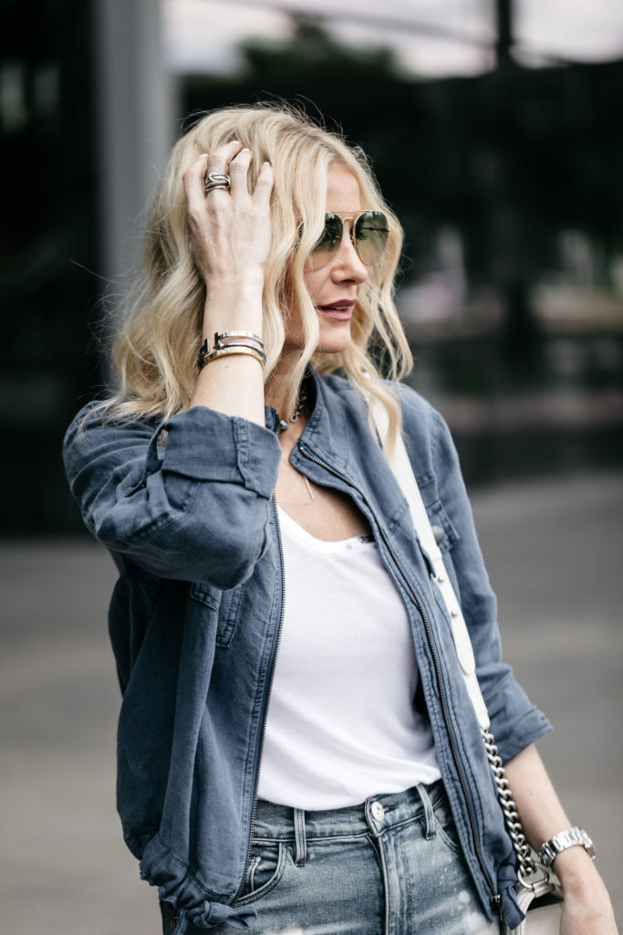 Dallas blogger wearing Gucci sunglasses and linen jacket