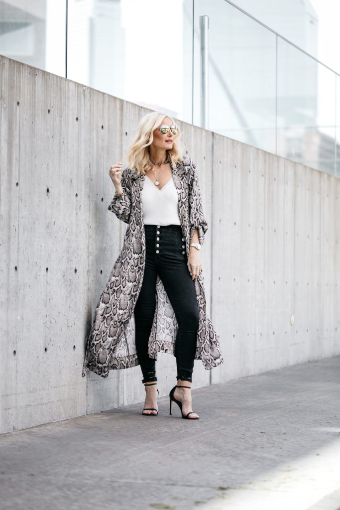 Dallas blogger wearing snake print duster