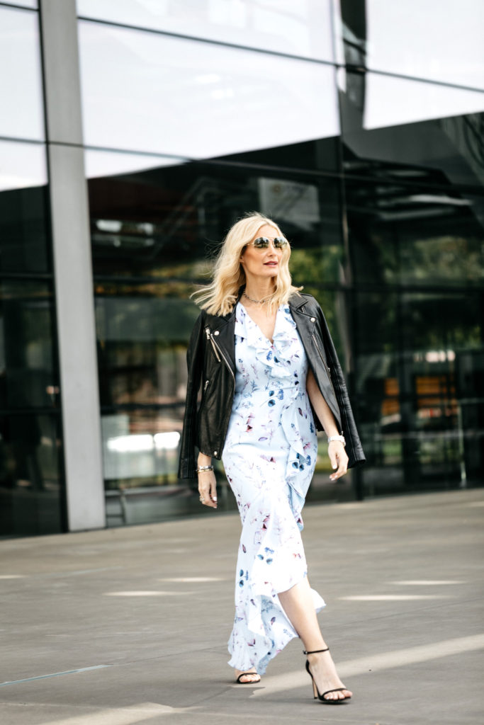 How To Wear A Floral Maxi Dress Floral Maxi Dress