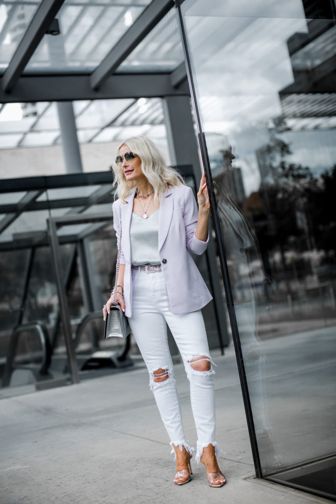 Dallas blogger wearing L'agence white jeans and silver heels
