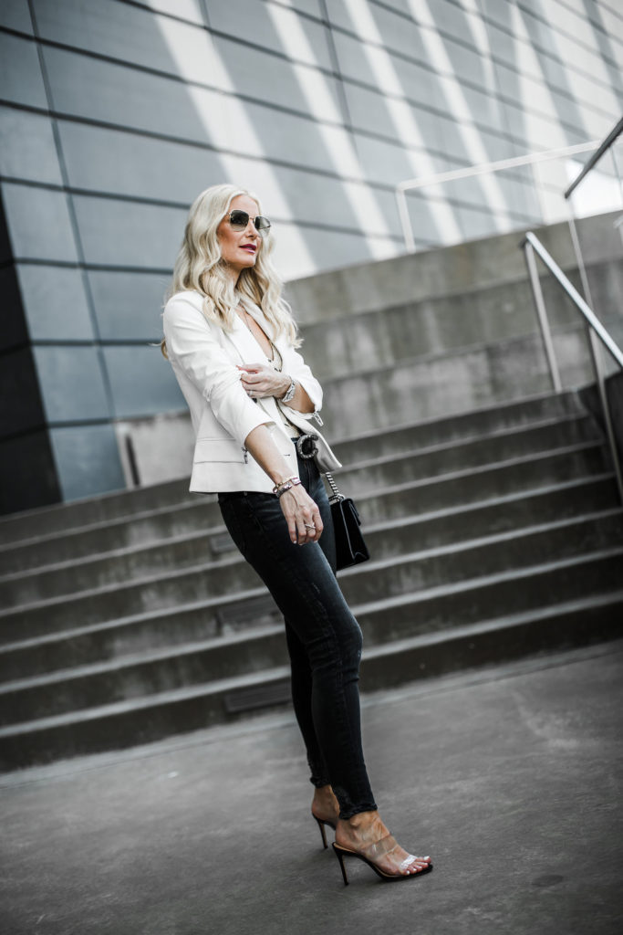 How to wear black skinny jeans over age 40