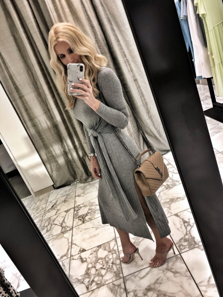 Dallas blogger wearing a Topshop midi dress